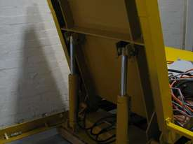 Large Hydraulic 90 Degree Pallet Roll Tipper Inverter - picture2' - Click to enlarge