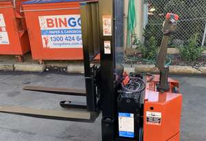 BT Walkie Stacker - Refurbished