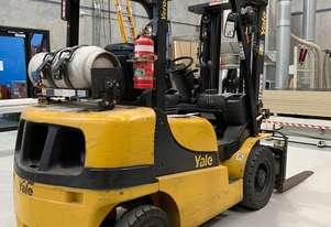 2500KG LPG Forklift - Fully Refurbished
