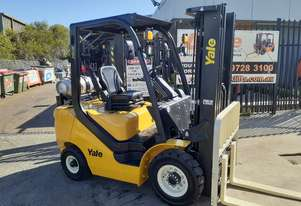 FORKLIFT 2.5 TON YALE 4.8M LIFT CONTAINER MAST  SOLID TYRES SIDE SHIFT