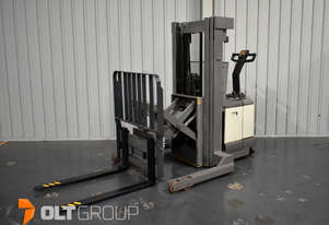 Used Crown WR3000 Walkie Reach Truck Forklift Electric NEW Charger Excellent Battery