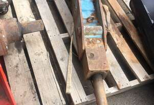 Krupp Used   Rock breaker HM135