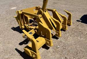 Caterpillar 140 Multi Shank Rippers