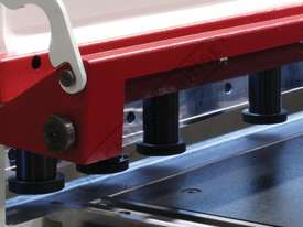 HGL-3106 Hydraulic NC Guillotine 3060 x 6mm Mild Steel Shearing Capacity 1-Axis NC Cybelec 6W Touch  - picture6' - Click to enlarge