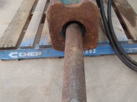 GB Hydraulic Hammer Breaker GB5T RATED 9-17 TON - picture1' - Click to enlarge