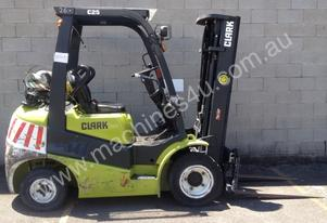 2.5 Tonne LPG (Gas) Forklift FOR HIRE...Clark C25L