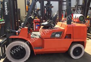 Nissan Forklift 4 Ton LPG 5000mm Lift Side Shift