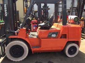 Nissan Forklift 4 Ton LPG 5000mm Lift Side Shift  - picture0' - Click to enlarge