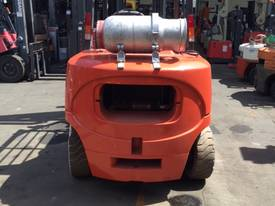 Nissan Forklift 4 Ton LPG 5000mm Lift Side Shift  - picture2' - Click to enlarge