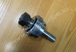 Router spindle shaft to suit collets