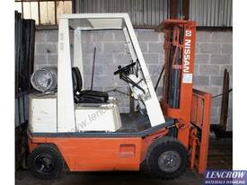 2.5t Nissan Stubby Compact Forklift