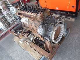 DISMANTLING CUMMINS QSB6.7 DIESEL ENGINE - picture2' - Click to enlarge