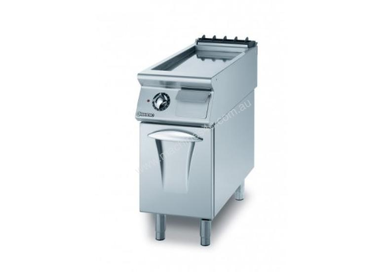 Mareno ANFT9-4GTRC Fry-Top With Smooth Chromed Fry Plate