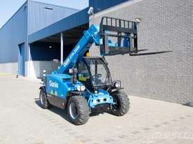TELEHANDLER - GENIE - 2.5 TON 6.0M LIFT - picture3' - Click to enlarge