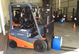 Toyota   FORKLIFTS 8FBN18