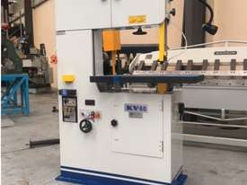 Speeder Vertical Bandsaw 600mm Throat - picture0' - Click to enlarge