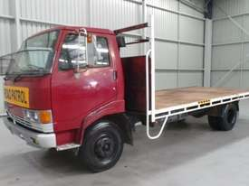 Hino FC Fleeter/Merlin Cab chassis Truck - picture0' - Click to enlarge