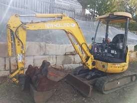 New Holland EH30B 3T Mini Excavator - picture3' - Click to enlarge