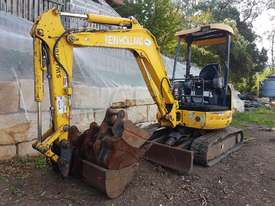 New Holland EH30B 3T Mini Excavator - picture6' - Click to enlarge