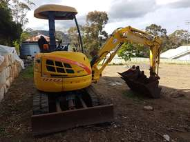 New Holland EH30B 3T Mini Excavator - picture13' - Click to enlarge