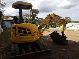 New Holland EH30B 3T Mini Excavator - picture15' - Click to enlarge