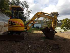 New Holland EH30B 3T Mini Excavator - picture16' - Click to enlarge