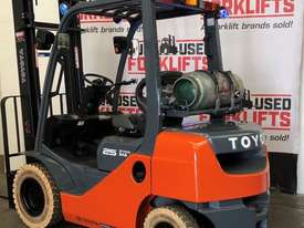 TOYOTA 32-8FG25 4000MM 2011 4554 HOURS - picture1' - Click to enlarge