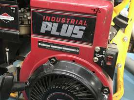 Davey Fire Fighting Pump Powered by Briggs and Stratton 5 HP Petrol Engine - picture1' - Click to enlarge