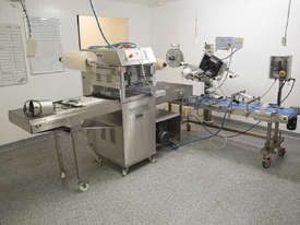 Italian Pack Tray Sealer Express and ALstep Label Applicator - picture0' - Click to enlarge