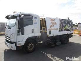 2011 Isuzu FSR 850 LWB - picture2' - Click to enlarge