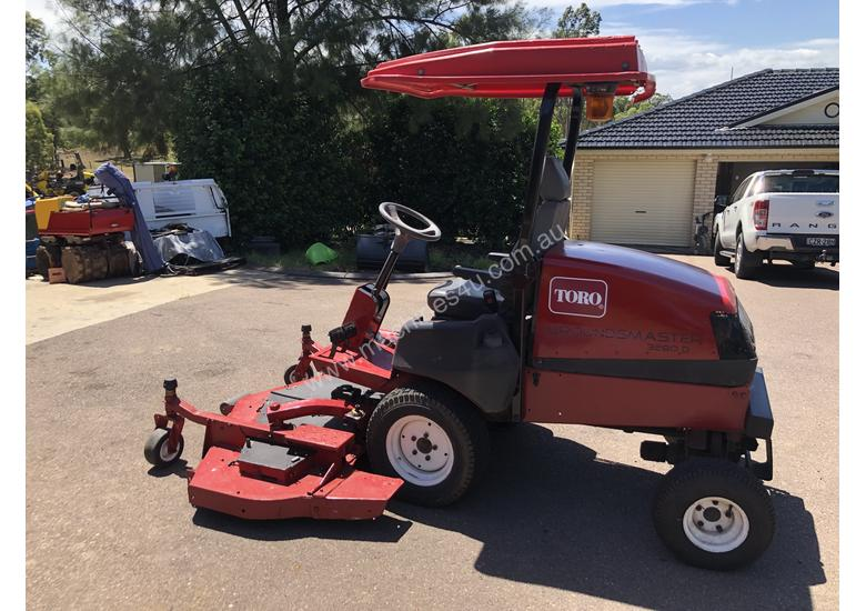 TORO 3280D GROUNDSMASTER 3Cyl KUBOTA DIESEL 6ft 72 4WD Out Front Mower  fitted with 3ea x NEW BLADES