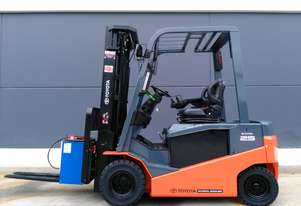 Business Class Toyota 2013 8FBN25 Container Mast Electric Forklift in very good condition.