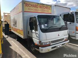 2004 Mitsubishi 500/600 Canter - picture0' - Click to enlarge