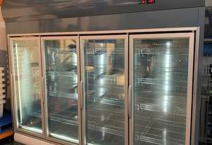 2270l Commercial display freezer