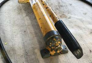 Enerpac Hydraulic Hand Pump Single Speed Steel Body