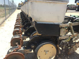 Norseman 12m Precision Planters Seeding/Planting Equip - picture1' - Click to enlarge