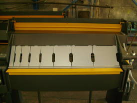1250mm x 2mm Australian made panbrake folder - picture10' - Click to enlarge