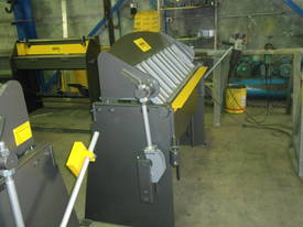 1250mm x 2mm Australian made panbrake folder - picture6' - Click to enlarge