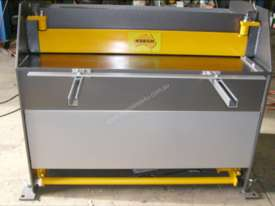 1250mm x 2mm Australian made panbrake folder - picture16' - Click to enlarge