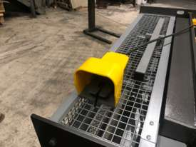 1250mm x 2mm Australian made panbrake folder - picture20' - Click to enlarge