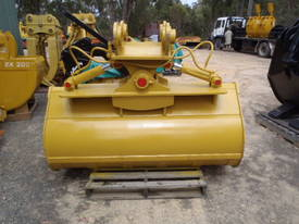 Tilt Bucket to Suit 20 Ton NEW 1860 mm wide - picture2' - Click to enlarge