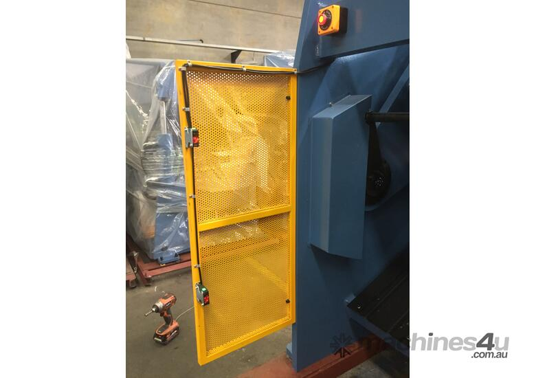 3200mm x 6.5mm Guillotine With Rear Sheet Supports