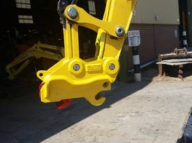 ELITE TwinLOCK Quick Hitch to suit 3T - 3.9T - picture0' - Click to enlarge