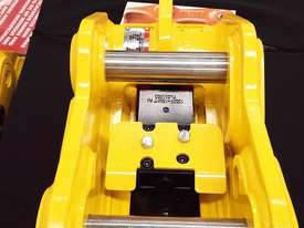 ELITE TwinLOCK Quick Hitch to suit 3T - 3.9T - picture1' - Click to enlarge