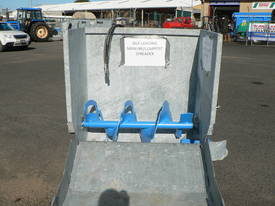 Manure / Compost SELF LOADING spreader - picture3' - Click to enlarge