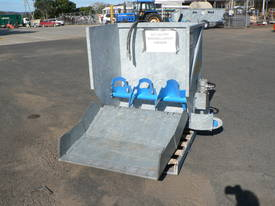 Manure / Compost SELF LOADING spreader - picture0' - Click to enlarge