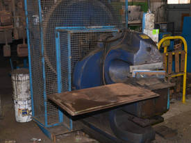 POWERED SHEAR 300mm BLADE 3 PHASE G.No5  - picture1' - Click to enlarge
