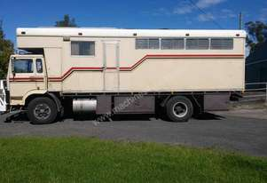 Volvo 5 HORSE PLUS LIVING AREA