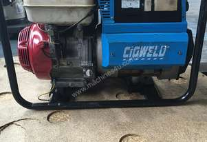 CIGWELD Petrol Welder Generator 415 V 3 phase outlet & 240 Volt power