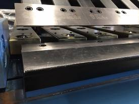 SM-FHPB2506CNC2 2500mm CNC2 Foldmaster - picture8' - Click to enlarge
